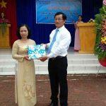 Cô Nguyễn Thị Nở giáo viên nghỉ hưu